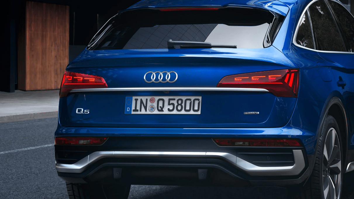 Audi Q5 with OLED Taillights